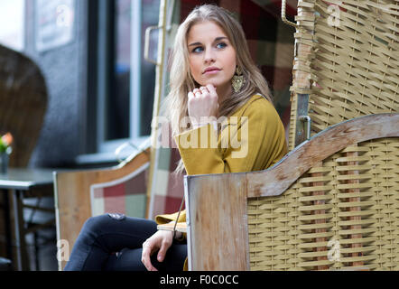 Fashion blogger Caroline Daur posing for streetstyle photos in Berlin  Featuring: Caroline Daur Where: Berlin, Germany - Stock Photo