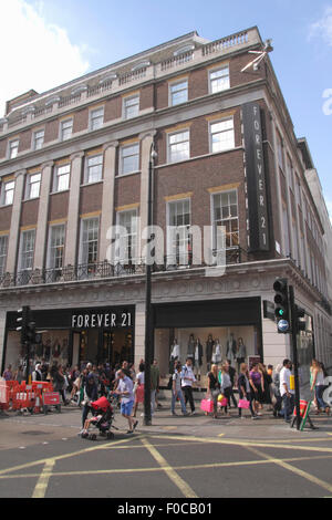 Forever 21 clothes store Oxford Street London - Stock Photo