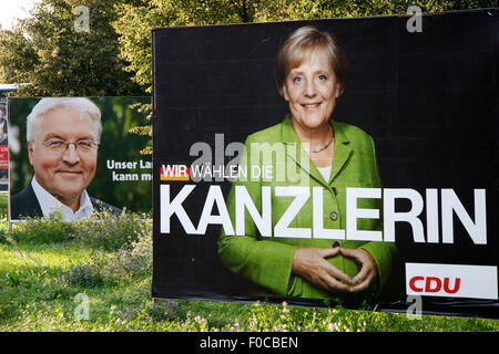 Frank Walter Steinmeier (SPD) und Angela Merkel (CDU) - Wahlplakate zur Bundestagswahl 2009, 21. September 2009, - Stock Photo