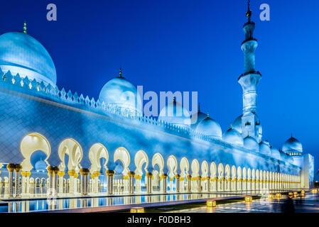 Sheikh Zayed Mosque, Abu Dhabi, United Arab Emirates - Stock Photo