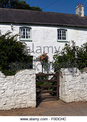 A white washed cottage in Ogmore farm tea rooms by ogmore castle in south wales uk - Stock Photo