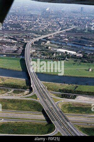 geography / travel, Germany, North Rhine-Westphalia, transport / transportation, of the Ruhrschnellweg from the - Stock Photo