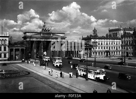 geography / travel, Germany, Berlin, square, Pariser Platz with Brandenburg Gate, late 1930s, 30s, 20th century, - Stock Photo