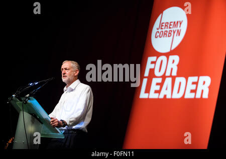 Glasgow, Scotland, UK. 14th Aug, 2015. Labour Leadership candidate Jeremy Corbyn delivers a speech during his campaign - Stock Photo