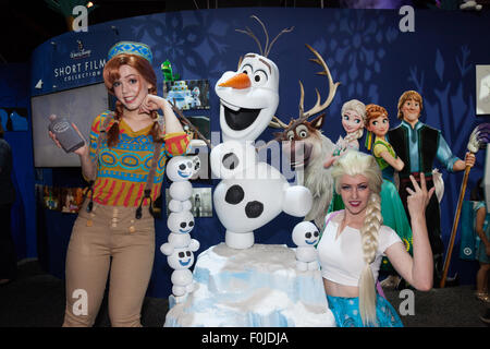 Anaheim, California, USA. 15th Aug, 2015. Jessica Chancellor as Anna in an Oaken costume and Shel Sligar as Elsa - Stock Photo