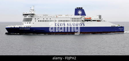 AJAXNETPHOTO. 29TH JUNE, 2015. CHANNEL, ENGLAND.- CROSS CHANNEL CAR AND PASSENGER FERRY DFDS SEAWAYS. PHOTO:JONATHAN - Stock Photo