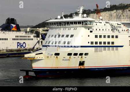 AJAXNETPHOTO. 29TH JUNE, 2015. DOVER, ENGLAND.- CROSS CHANNEL CAR AND PASSENGER MYFERRYLINK FERRY RODIN AND P&O - Stock Photo