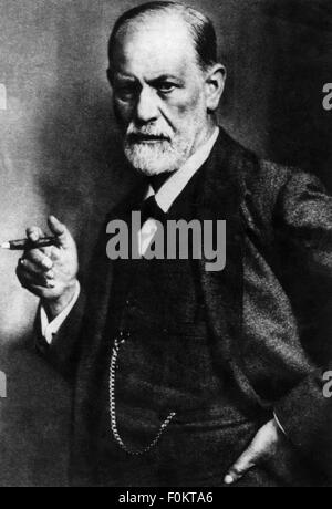 Freud, Sigmund, 6.5.1856 - 23.9.1939, Austrian physician, half length, with cigar, 1921, Additional-Rights-Clearances - Stock Photo