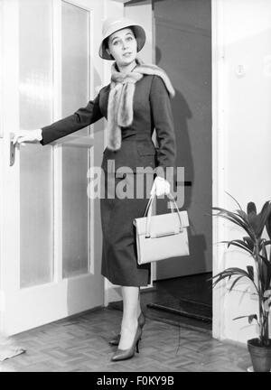 fashion, 1950s, Young woman in woman's suit by Barbara Benkö, 1957, Munich, 1957, 20th century, 50s, Germany, clothes, - Stock Photo