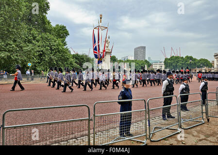 Heavily armed police officers on Guard near Buckingham Palace, London for Trooping the Colour i - Stock Photo