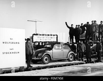 transport / transportation, car, vehicle variants, Volkswagen, VW beetle, ceremonial act celebrating the export - Stock Photo