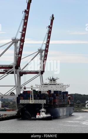 AJAXNETPHOTO.  2015. DUNKERQUE, FRANCE. - FREIGHT - CONTAINER SHIP CMA CGM BERLIOZ IN PORT.PHOTO:JONATHAN EASTLAND/AJAX - Stock Photo