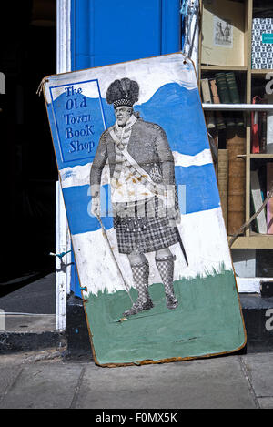 Quirky sign outside The Old Town Bookshop in Victoria Street, Edinburgh, Scotland, UK. The shop is now closed (January - Stock Photo