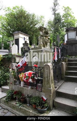 Frédéric Chopin grave at Père Lachaise Cemetery in Paris France - Stock Photo