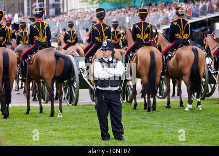 The Household Cavalry rehearse for the annual trooping of the colour on Horse Guards Parade. - Stock Photo