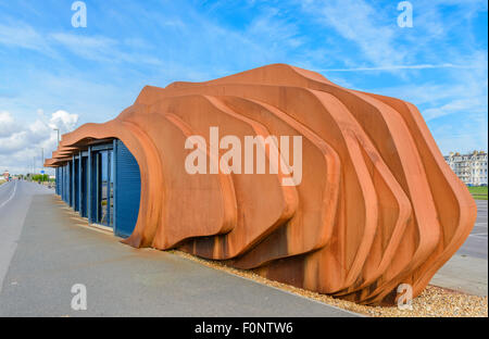 East Beach Cafe on the Promenade in Summer in Littlehampton, West Sussex, England UK. Designed by Thomas Heatherwick - Stock Photo