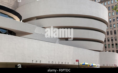 USA, New York State, New York City, Manhattan, Exterior of the Solomon R Guggenheim Museum on 5th Avenue. - Stock Photo