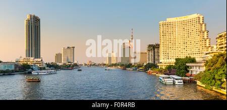 Thailand, Bangkok, traffic on the Chao Phraya river - Stock Photo