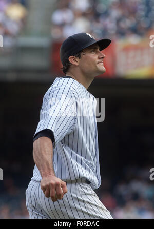New York, New York, USA. 15th Jan, 2014. Yankees' PITCHER NATHAN EOVALDI in the 6th inning, New York Yankees vs. - Stock Photo