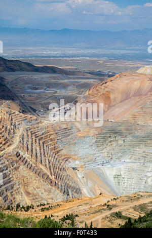 Salt Lake City, Utah - Kennecott Utah Copper's Bingham Canyon copper mine. - Stock Photo