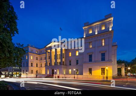 Lanesborough Hotel, elevation facing Wellington Arch. Lanesborough Hotel, London, United Kingdom. Architect: Reardon - Stock Photo