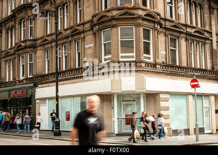 Dundee, Tayside, Scotland, UK, 21st August, 2015. Recession. Economic struggle in Dundee: More shops have closed - Stock Photo