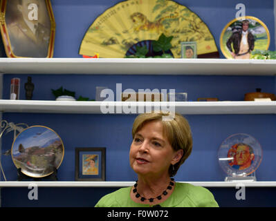 (150821) -- MONROE, Aug. 21, 2015 (Xinhua) -- Nell Calloway, Chennault Aviation and Military Museum Director and - Stock Photo