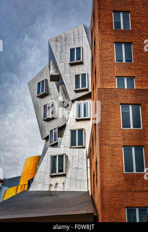 The Ray and Maria Stata Center university complex by Pritzker Prize award winning architect Frank Gehry for the - Stock Photo