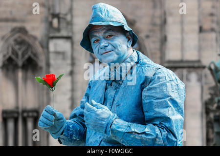 Nebojsa from Serbia, actor, as a street statue in the Royal Mile, Edinburgh during the Fringe Festival, Scotland, - Stock Photo