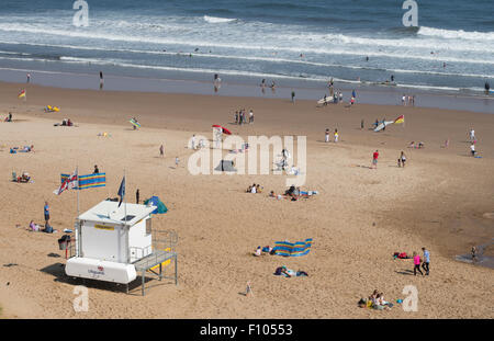 Lifeguards station on Longsands beach Tynemouth, North Tyneside, England, UK - Stock Photo