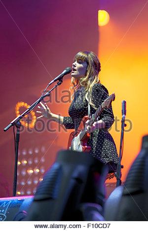 Angus & Julia Stone performing live - Stock Photo