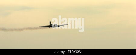 AJAXNETPHOTO. 2013. SHOREHAM, ENGLAND. - LAST OF THE B-17S - B-17 FLYING FORTRESS G-BEDF SALLY-B MAKING A LOW PASS - Stock Photo