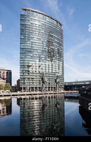 London Marriott Hotel, West India Quay, Canary Wharf, London Docklands, UK - Stock Photo