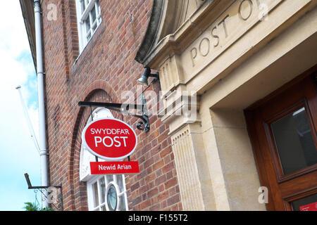 Swyddfa'r Post Post Office in Llandrindod Wells Powys Wales UK - Stock Photo