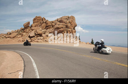 Colorado Springs, Colo, USA. 24th Aug, 2015. August 26, 2015. Motorcycle riders descend Pikes peak stands at 14,115 - Stock Photo