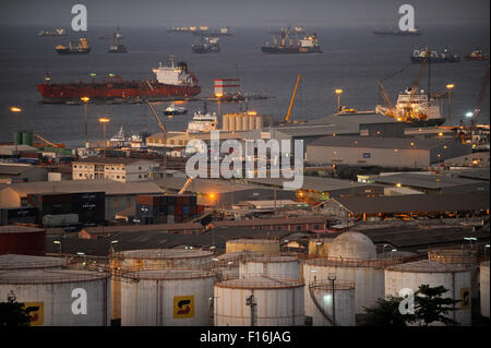 ANGOLA Luanda, harbour and anchorage, in front oil tanks of Sonangol the national oil company - Stock Photo