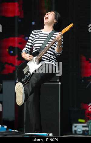 Portsmouth, UK. 29th August 2015. Victorious Festival - Saturday. Sharleen Spiteri of Texas during their set on - Stock Photo