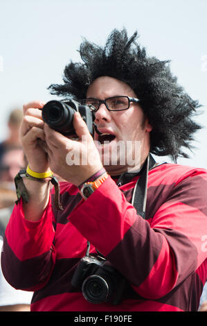 Portsmouth, UK. 30th August 2015. Victorious Festival - Sunday. Warm sunny weather sees festival goers dressing - Stock Photo