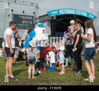 Portsmouth, UK. 29th August 2015. Victorious Festival - Saturday. There are plenty of kids present, and being entertained, - Stock Photo