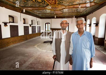 India, Jammu & Kashmir, Srinagar, Khwaja Manzil Nishati house, owners Haji Noor din Shah amd Mohammed Amin Shah - Stock Photo