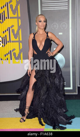 Los Angeles, California, USA. 30th Aug, 2015. Singer Rita Ora arrives at the 2015 MTV Video Music Awards at Microsoft - Stock Photo
