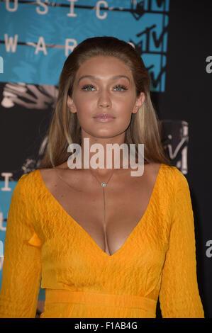 Los Angeles, California, USA. 30th Aug, 2015. Model Gigi Hadid arrives at the 2015 MTV Video Music Awards at Microsoft - Stock Photo