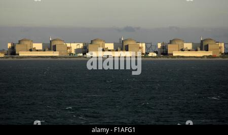 AJAXNETPHOTO. 22ND JULY, 2015. GRAVELINES, FRANCE. - NUCLEAR POWER STATION - SEEN FROM THE CHANNEL. CENTRALE NUCLÉAIRE - Stock Photo