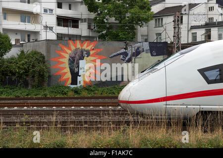 ICE-3 passenger train passing through Wehrhahn, Dusseldorf, North Rhine-Westphalia, Germany. - Stock Photo
