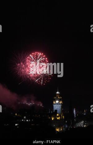 EDINBURGH, UK. 31 / AUG / 2015. Edinburgh International Festival Fireworks Concert 2015, the annual fireworks display - Stock Photo