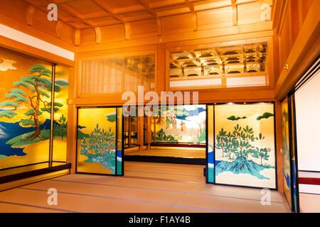 Japan, Kumamoto castle, Goten Palace, reconstructed Honmarugoten, chamber of Wakamatsu, leading to Shokun-no-ma - Stock Photo