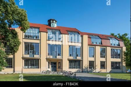 Main building of the Bauhaus University Weimar, former School of Applied Arts, design by Henry van de Velde - Stock Photo
