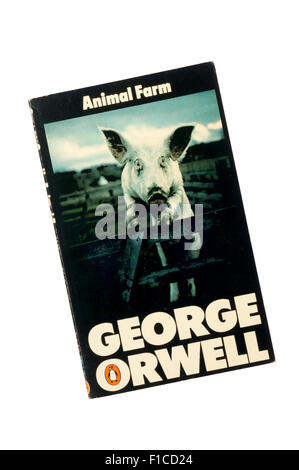 1976 Penguin edition of Animal Farm by George Orwell. - Stock Photo
