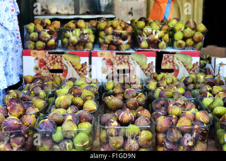 Fresh figs sold at the vibrant 'Machane Yehuda' market in Jerusalem. - Stock Photo