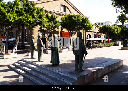 Cape Town, South Africa. Statues of South Africa's four Nobel Peace Laureates in the Victoria and Albert waterfront - Stock Photo
